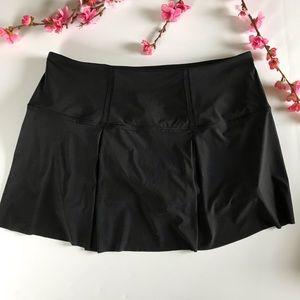Lululemon black tennis skirt size 10